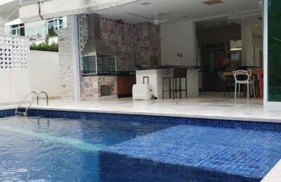 Casa em Riviera – Decorada e Mobiliada